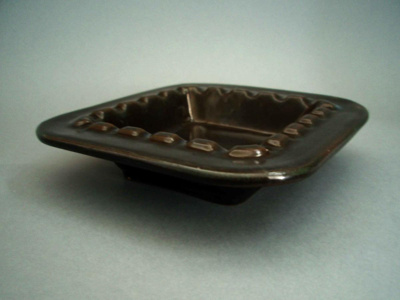 Ashtray; Crown Lynn Potteries Limited; 1968-1975; 2008.1.194