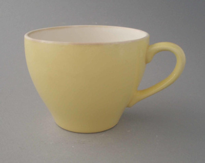 Cup - Colour glaze; Crown Lynn Potteries Limited; 1966-1980; 2009.1.922