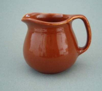 Jug; Crown Lynn Potteries Limited; 1940-1960; 2008.1.267