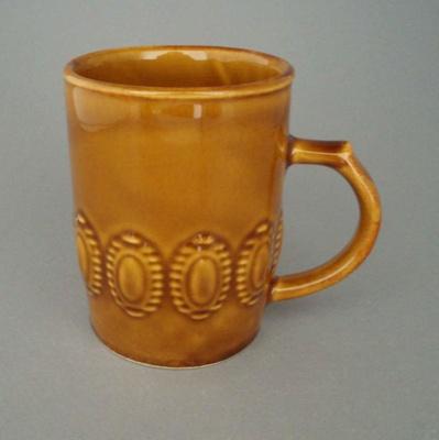 Mug; Crown Lynn Potteries Limited; 1971-1980; 2008.1.1412