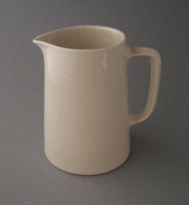 Jug; Crown Lynn Potteries Limited; 1948-1989; 2008.1.1015