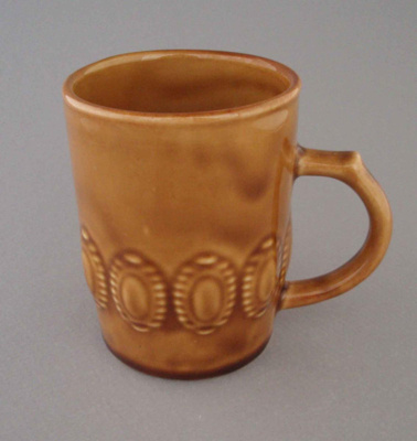 Mug; Crown Lynn Potteries Limited; 1971-1980; 2008.1.1413