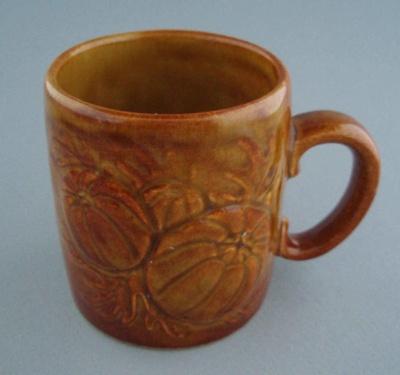 Mug - harvest; Titian Potteries (1965) Limited; 1974-1985; 2008.1.2292