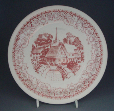 Dinner plate - Cotswold Pink pattern; Crown Lynn Potteries Limited; 1975-1989; 2008.1.1784
