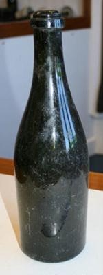 Bottle; SGHT.1995.5.206.2