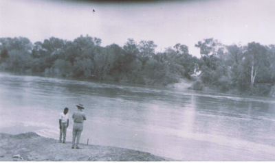 Myroodah Crossing of the Fitzroy River in Flood.; 1964; 7688