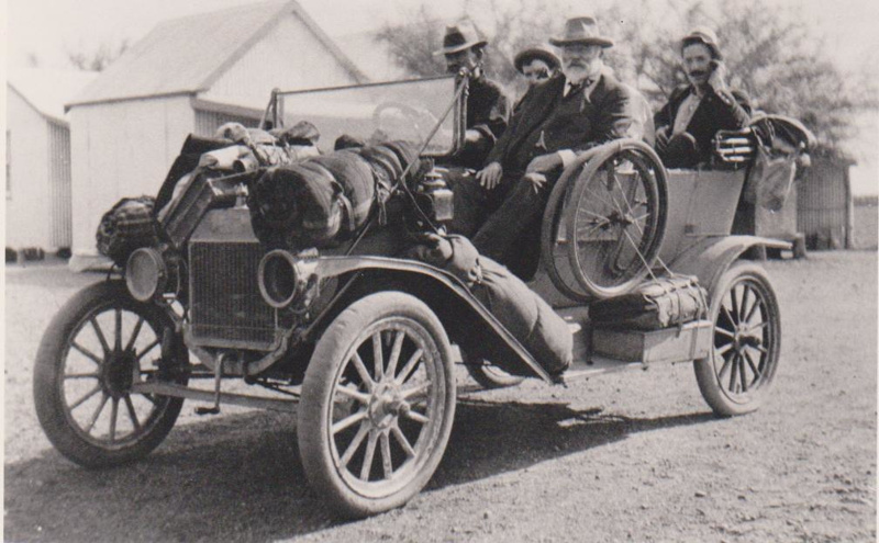 Old Model Car With Four Passengers Loaded Obviously Off For A - Old model cars