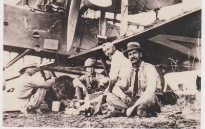 Photograph - Ross and Keith Smith with Syd Peacock and Sargent Bennett at No 1 Bore.; 1919; 9750