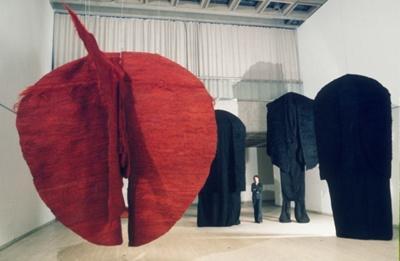 Abakan Red; Abakanowicz, Magdalena; 1971-74; 1106006
