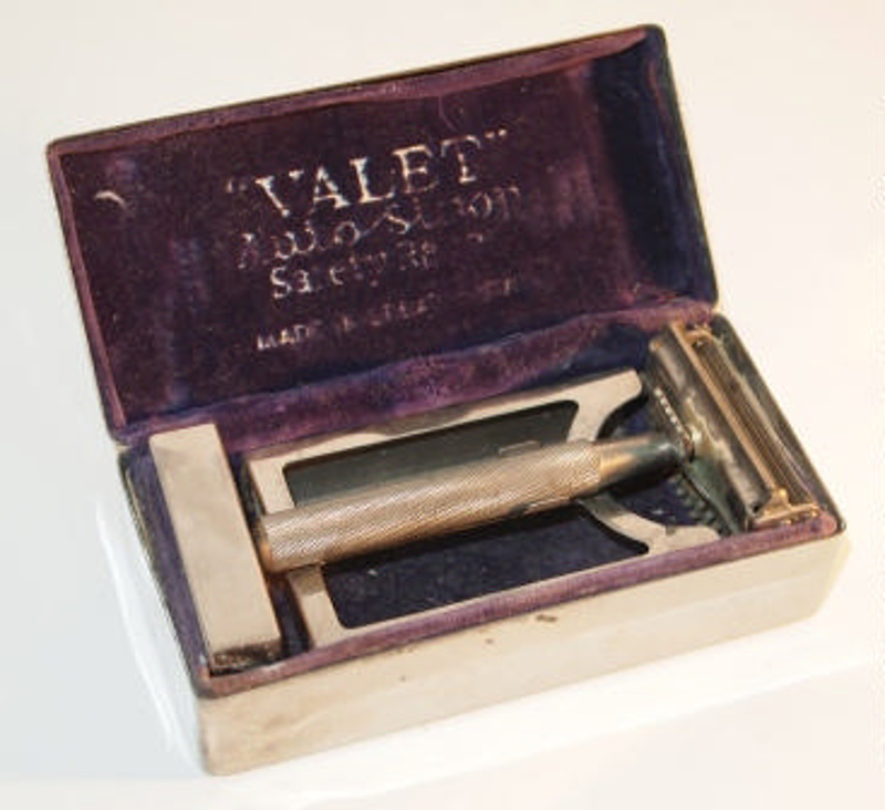 Safety razor; c.1930s; T167 - City of Belmont Museum on eHive