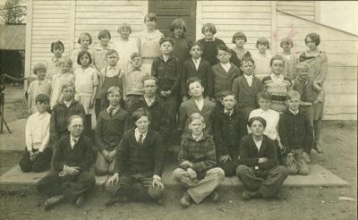 Photograph, Churchville Schoolhouse; 1929; M2011.7.5
