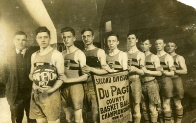 Postcard, Elmhurst High School basketball team; 1917; M2014.1.482
