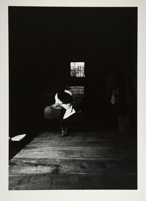 Kamaitachi #9; Hosoe, Eikoh; 1968; 1987:0049:0010