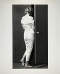 Marilyn Entering the Closet; Halsman, Philippe; 1952; 1987:0013:0005