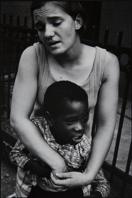 Untitled [Mother and child]; Moy, David; undated; 1971:0520:0001