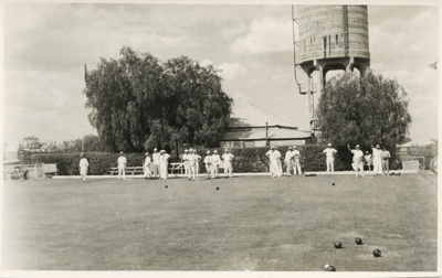 Group of people playing bowls, Hughenden, 1940; Unidentified; 1940; 2011-144