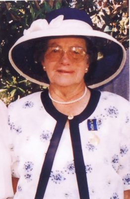 Portrait of Mrs Jean Anderson of Stamford with Order of Australia medal, 2003