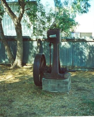 Cast of first Comet windmill made in Australia, Hughenden 2001?; Murdoch, Colleen; 2001?; 2012-64