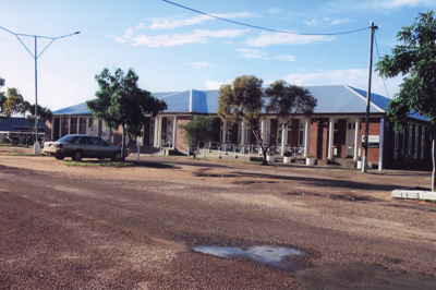 Courthouse and government offices, Hughenden, 2008; Murdoch, Colleen; 2008; 2011-161