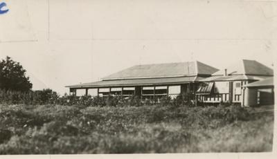 Hughenden Hospital, 1930s - 1940s?; Unidentified; 1930s - 1940s?; 2011-47