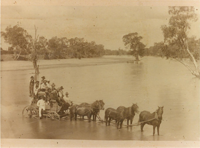 Cobb & Co coach crossing Flinders River at Gillespie Crossing, Hughenden ca.1890; Unidentified; 2012-135
