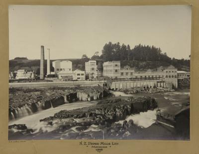 Photograph [Mataura Paper Mill and Falls, 1938]; Collins, C.H; 1938; MT2012.15.21