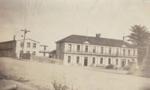 Photograph [Bridge Hotel, Mataura]; unknown photographer; 1950s; MT2011.185.100