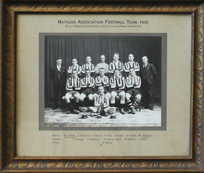 A black and white team photograph taken of the 193...