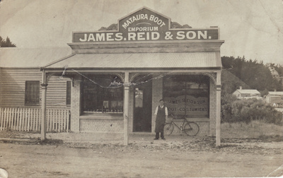 Postcard [Mataura Boot Emporium, James Reid & Son]; Sleeman, C.P. (Mr); 1905-1917; MT2011.185.123