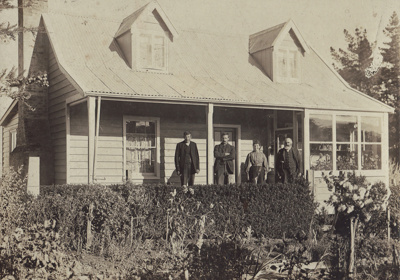 Photograph [Shanks Family Homestead 2 of 2] ; unknown photographer; 1900-1910; MT2016.10.2