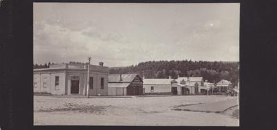 Black and white photograph of Bridge Street, Matau...