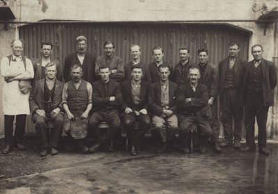 Photograph [Mataura Paper Mill employees]; unknown photographer; 1920-1925; MT2011.185.45