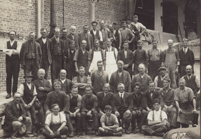 Photograph [Mataura Paper Mill employees]; unknown photographer; 1920-1930; MT2011.185.39