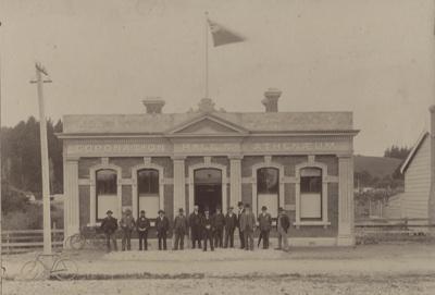 Photograph [Mataura Coronation Hall & Athenaeum]; unknown photographer; 1903-1920; MT2011.185.144