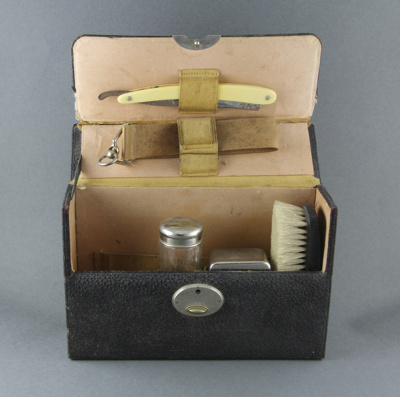 Shaving kit; a mans shaving kit, comprising: a cut...
