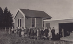 Photograph [Ferndale School and children]; unknown photographer; 1940s-1950s; MT2011.185.394