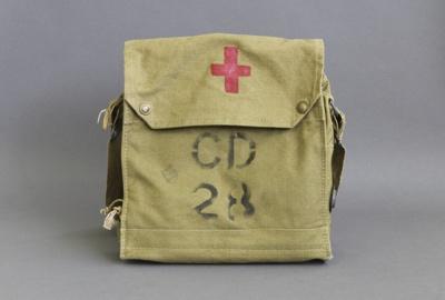 Haversack, Civil defence ; unknown maker; 1940-1960; MT2012.69.1