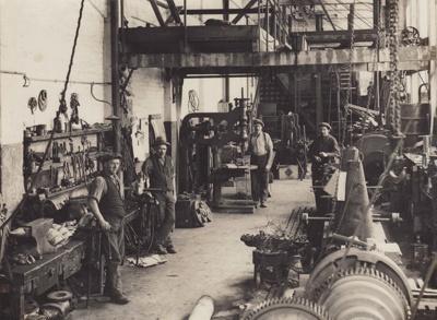 Photograph [Mataura Paper Mills]; unknown photographer; 1920s; MT2011.185.52