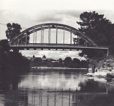 Photograph [Mataura Bridge]; unknown photographer; 1970-1990; MT2011.185.146