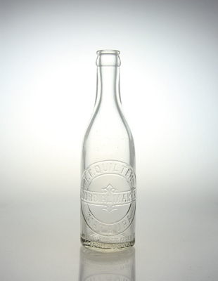 Bottle, Quilter's Cordial; Australian Glass Manufacturers; 1941; MT2012.84.4