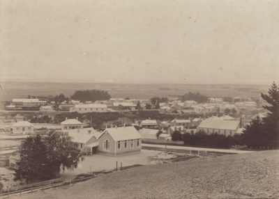 Photograph [Mataura with old School in foreground]; unknown photographer; 1910-1921; MT2011.185.136