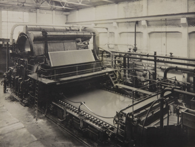 Photograph [Wet End, MG Paper Machine, Mataura Paper Mill]; unknown photographer; 1962-1970; MT2012.15.18
