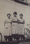 Photograph [Bag Factory Staff, Mataura Paper Mill]; unknown photographer; 1960; MT2017.1.2