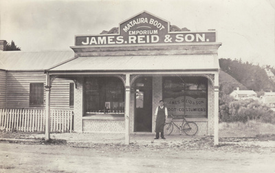 Postcard [Mataura Boot Emporium, James Reid & Son]; Sleeman, C.P. (Mr); 1905-1917; MT2011.185.96