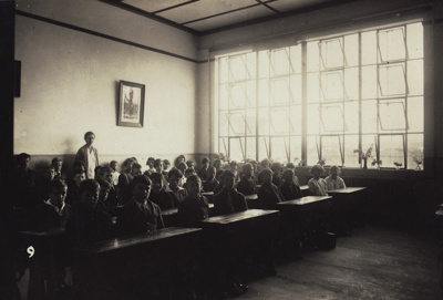 A black and white photograph of a Mataura School c...