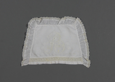 Nightdress case; white linen, with crocheted inser...