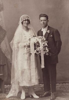Photograph [Mick and Mary Johnston's Wedding Portrait]; Mora Studio, The (Gore); 1910-1930; MT2011.185.216
