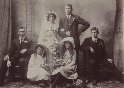 Photograph [Perry - Shepherd Wedding Portrait]; Muir, Thomas Mintaro Bailey (Invercargill); 1913; MT2011.185.255