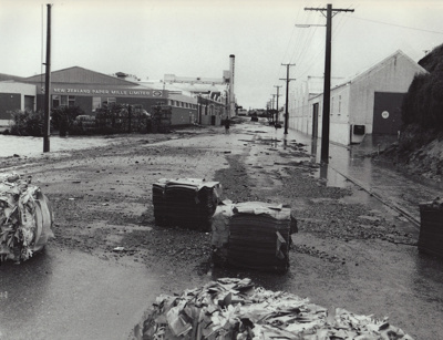 Photograph [Flood, Mataura Paper Mill, 1978] ; McDonald, Keith (Mr); 15.10.1978; MT2011.185.183