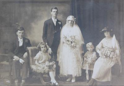 Photograph, [Spooner Wedding, 1925]; unknown photographer; 13.04.1925; MT2011.185.451.2